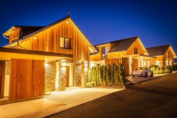 Die Country Chalets | © Golden Hill